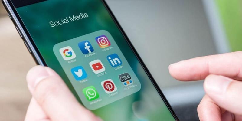 social media selection problem