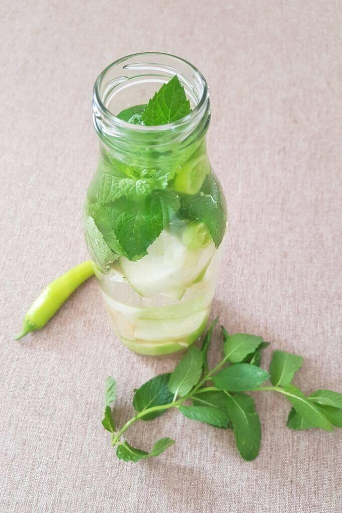mint apple chili detox water
